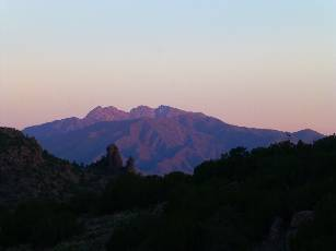 wAZT-2016 day14-1  distant Four Peaks.jpg (125365 bytes)