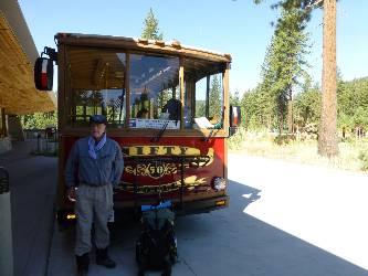 wpct-2013-day1-1  Dave and trolley.jpg (272083 bytes)