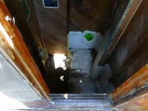 wpct-2013-toilet6-ludlow.jpg (228212 bytes)
