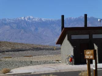 wdv-2013-bike-day1-4-badwater scenic toilet.jpg (257883 bytes)