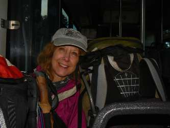 wgc-rimster-2012 day1-1  Kathleen and friend on Kaibab Express bus.jpg (190430 bytes)