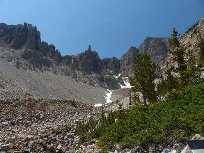 wgreat-basin-NP-day2-6  Cirque.jpg (428559 bytes)