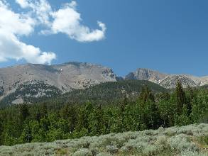 wgreat-basin-NP-day4-5  Wheeler vista.jpg (333808 bytes)