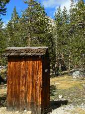 wjmt-day26-3-crabtree-RS-scenic-toilet.jpg (332482 bytes)