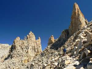 wjmt-day27-4-whitney-trail.jpg (379536 bytes)