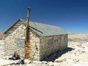 wjmt-day27-9-whitney-hut.jpg (373767 bytes)