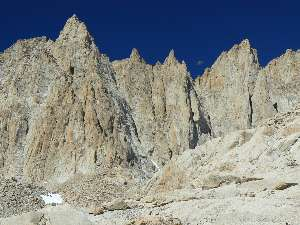 wjmt-day28-1-moon-over-buttress.jpg (471241 bytes)