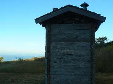wlc11-scenic-toilet-day5-3-needle-rk.jpg (194949 bytes)