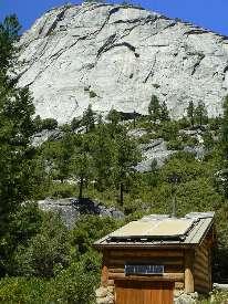 wjmt-day1-scenic-toilet-near-nevada.jpg (323257 bytes)