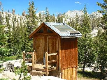 wjmt-day2-4long-meadow-scenic-toilet1.jpg (542980 bytes)
