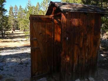 wjmt-day26-5-crabtree-RS-scenic-toilet.jpg (336612 bytes)