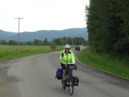 wselkirk-bike-day1-3  Cheryl - Selle Rd back route.jpg (185749 bytes)
