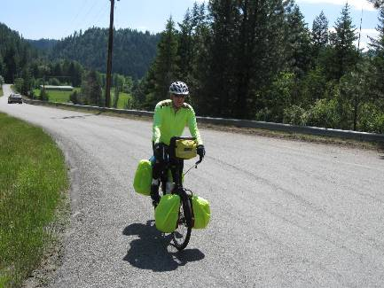 wselkirk-bike-day1-7  near end of Deep Cr Rd.jpg (422318 bytes)