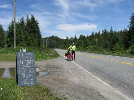 wselkirk-bike-day4-16  truth on the road.jpg (370998 bytes)