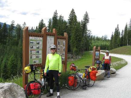 wselkirk-bike-day8-10 now in Washington.jpg (341718 bytes)