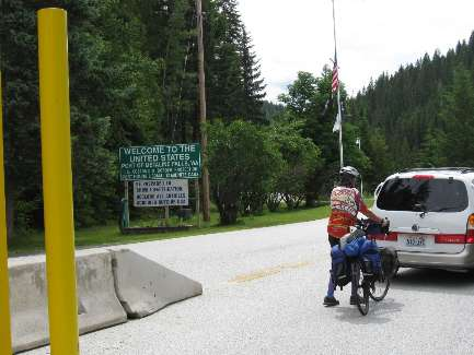 wselkirk-bike-day8-6  Cheryl waits for gruffians.jpg (335732 bytes)